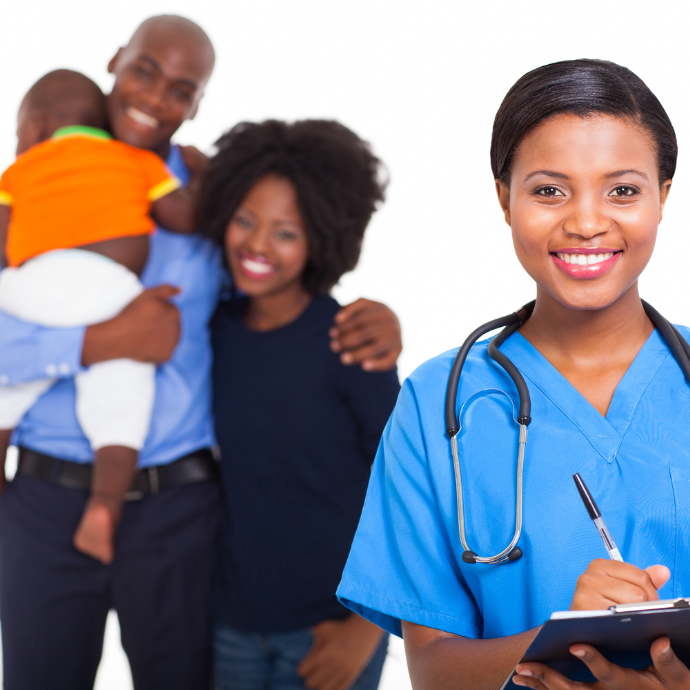 Heureux docteure et patients bénéficiant de l'assurance covid19